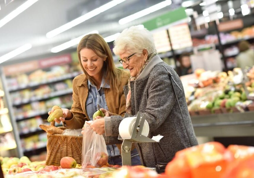 elderly woman grocery store (1)